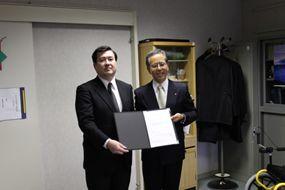 横須賀市教育委員会に足こぎ車いすの寄贈